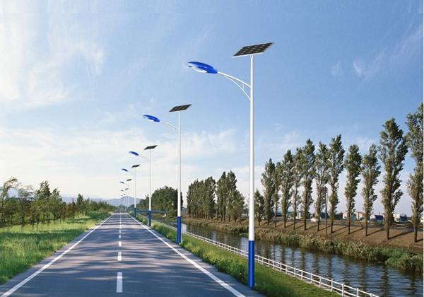 日照太阳能路灯